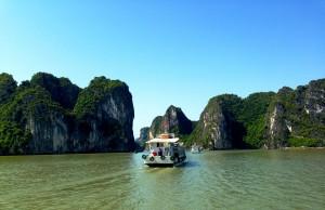 WellTraveled_Cruising Halong bay